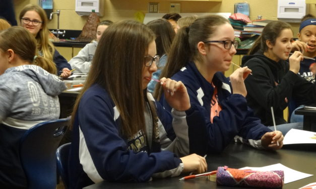 Students view careers with Cleveland Clinic