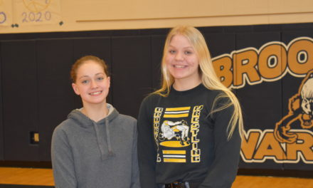 Wrestling duo wows at state