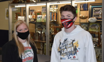 Student athletes pledge to college programs