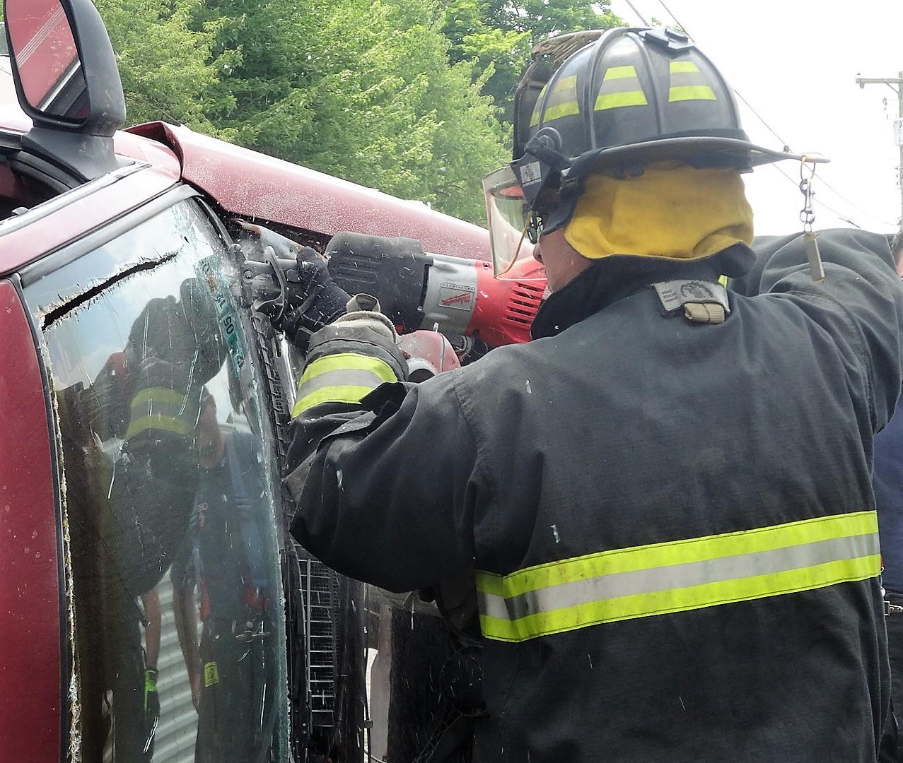windshield cutter
