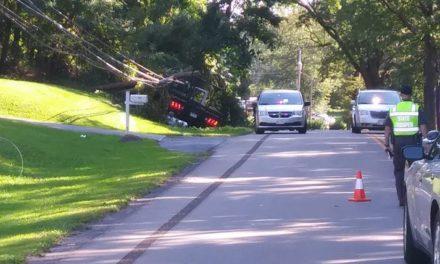 Crash closes Route 7
