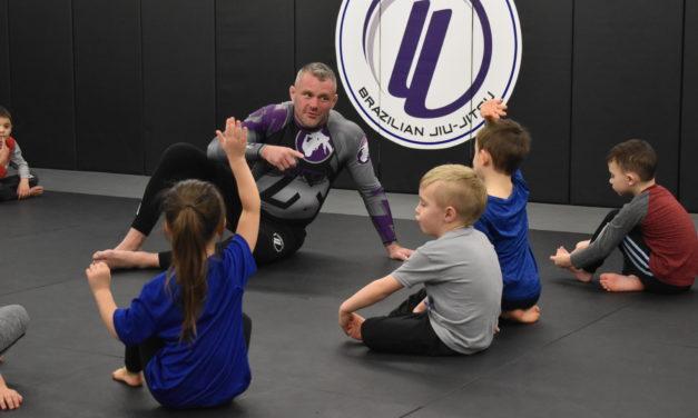 'Tough guy,' wife open martial arts studio