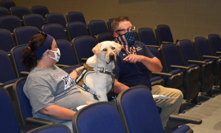 School goes to the dog: Frankie, a therapy dog