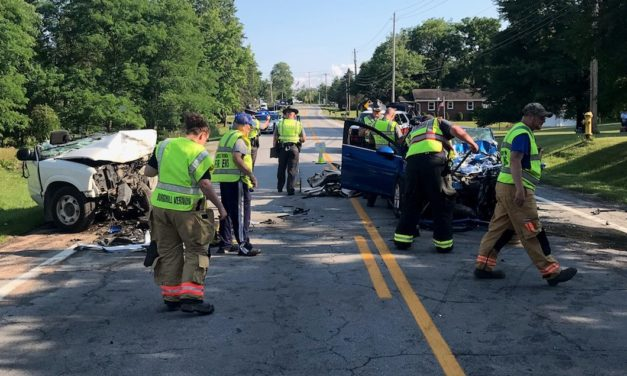 2 seriously hurt in head-on crash